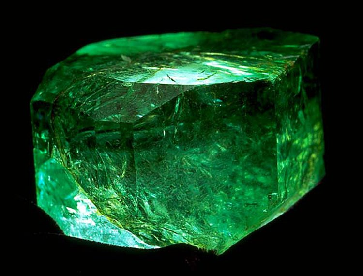 858-Carat Uncut 'Gachala Emerald' Is One of the Finest Examples of May's Birthstone