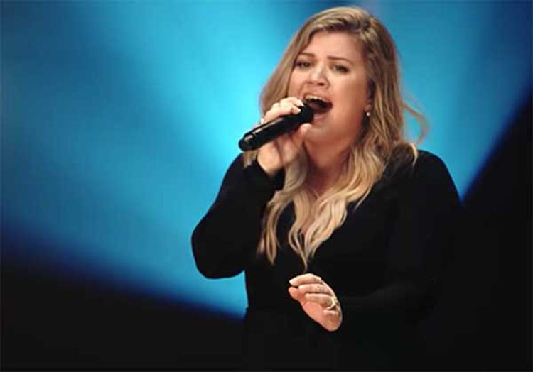 Music Friday: Kelly Clarkson Sings, 'You Used to Make Me Feel Like a Diamond'